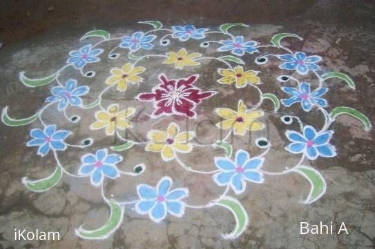 Rangoli: Flower design kolam