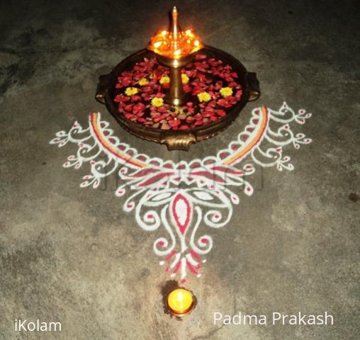 Rangoli: Kolam around the lamp