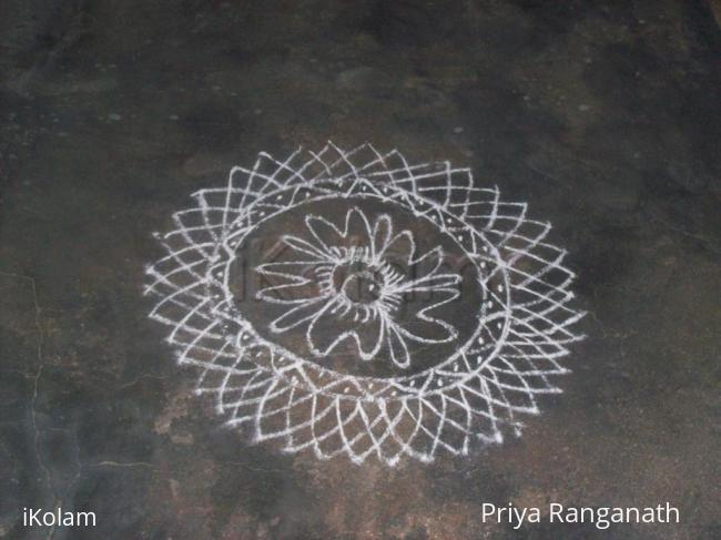 Rangoli: Sunday kolam