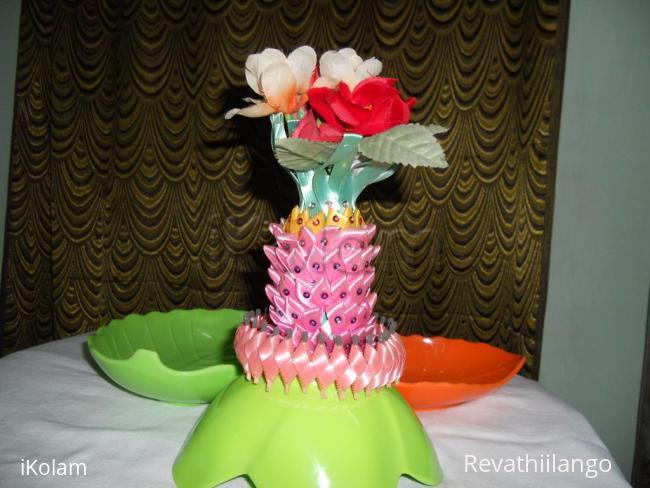 Flower Vase Made Of Plastic Bottle on animals made of plastic bottles, wall art made of plastic bottles, lamp made of plastic bottles, baskets made of plastic bottles,