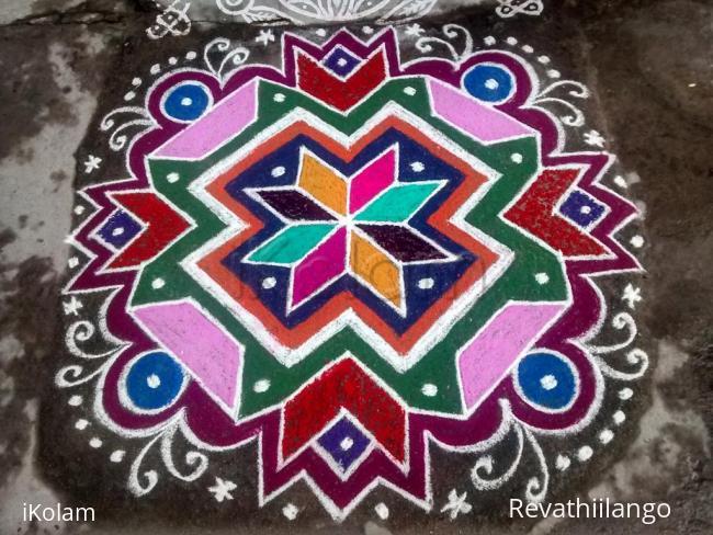 Rangoli: Rev's first kolam in ikolam contest. (margazhi dew drop contest)