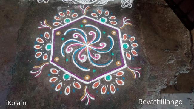 Rangoli: Rev's daily kolam.