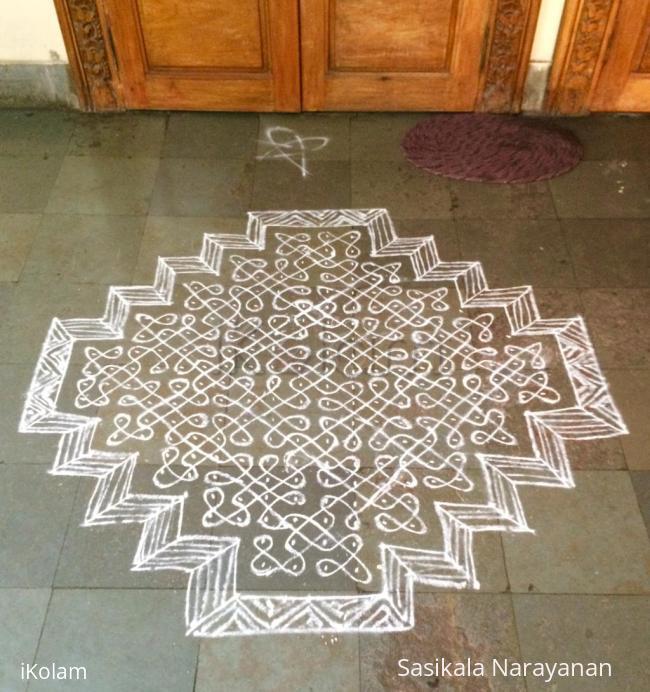 Rangoli: White n white on bhogi