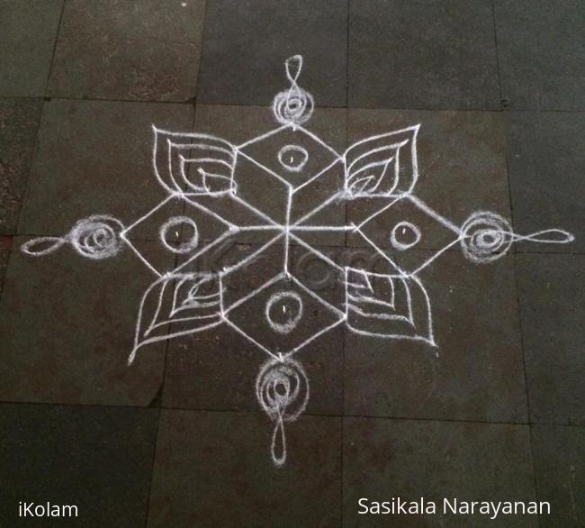 Rangoli: Simple white& white