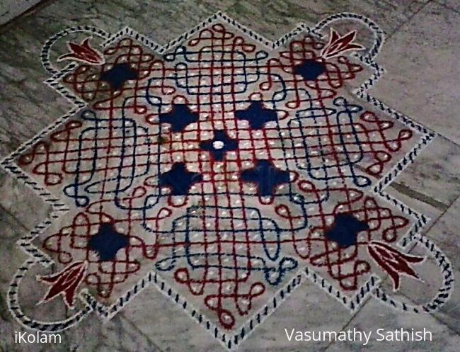 Rangoli: Chikku kolam for Thai Poosam  with 15-15 straight dots with 5 dots 3 lines  in the centre on all sides