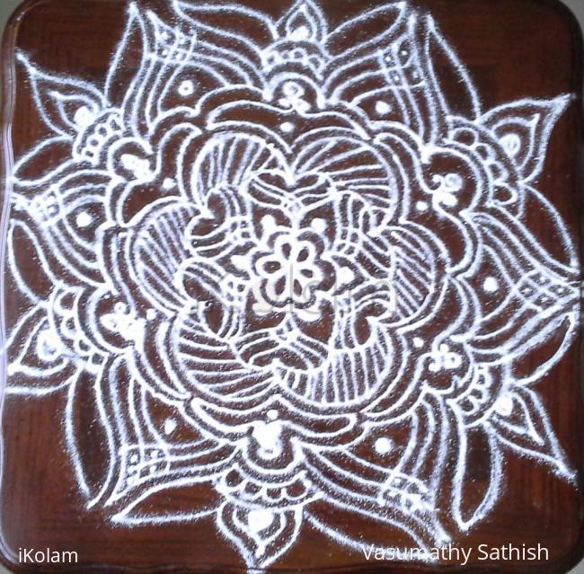 Rangoli: A freehand kolam for beginner's with kolamavu.