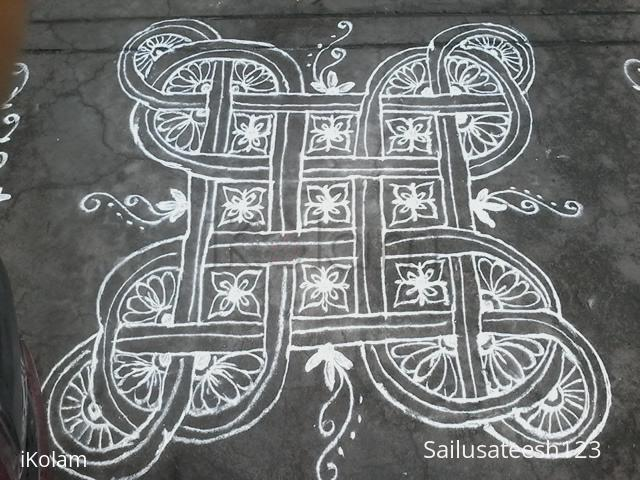 Rangoli: Freehand knot kolam