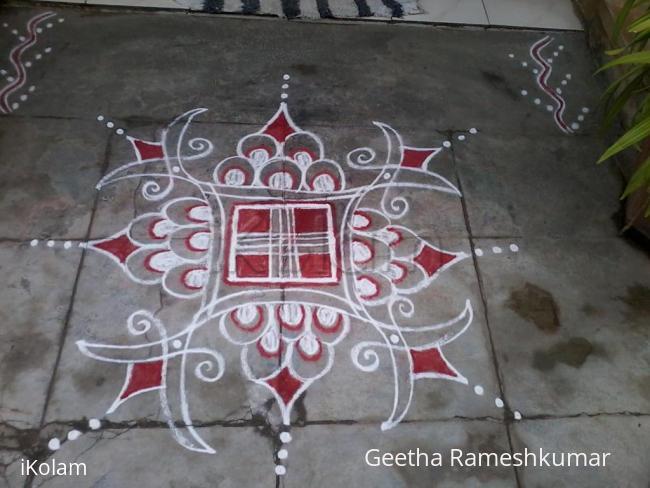 Rangoli: Aadi velli kolam