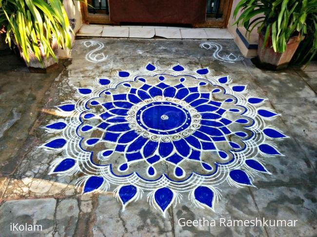 Rangoli: Margazhi kolam 16!