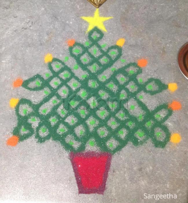 Rangoli: Christmas Tree Sikku Kolam