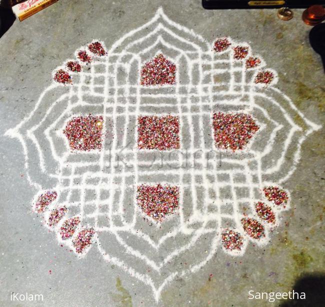 Rangoli: Small Padi Kolam with Glitter