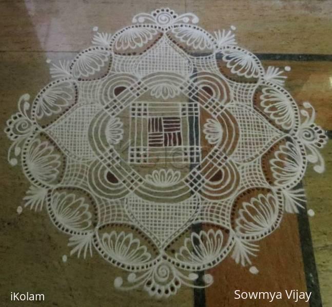 Rangoli: Aadi Velli Kolam-3