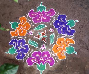 Rangoli: Chembaruthi Rangoli