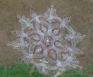 Rangoli: aadi kolams!