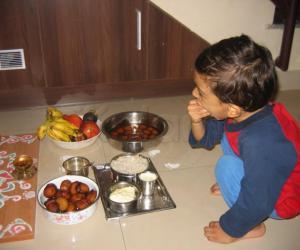 Rangoli: Vennai unnum kannan- (Krishna enjoying butter)
