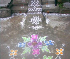 Flower rangoli (sharu)