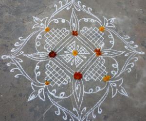 Rangoli: Margazhi kolam 4