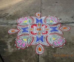 Coloured Kuzhal kolam
