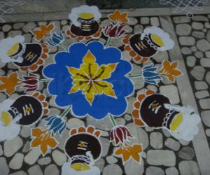 Rangoli: Ponga pannai kolam