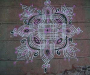 Rangoli: a normal kolam
