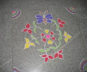 Rangoli: Kaattu poo/ three petal flower.