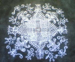 Rangoli: Saraswathi Vijayadasami Kanya Kolam