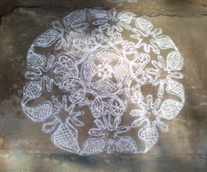Rangoli: criss-cross