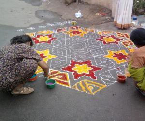 Rangoli: Traditional rangoli