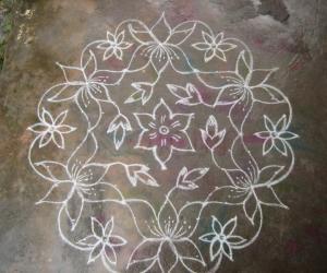 Rangoli: Simple dotted kolam