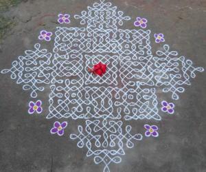 Rangoli: Sikku Kolam -71
