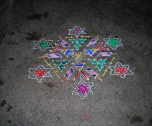 Dotted christmas kolam