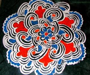 Rangoli: Maakolam with coconutpoo coloring