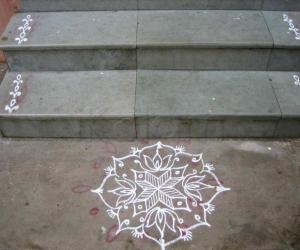 Regular kolam