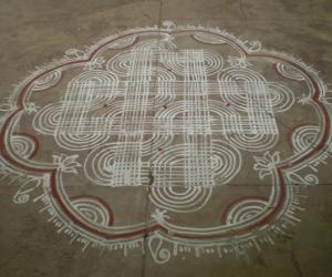 Rangoli: Maakolam 1