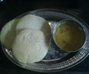 Rangoli: crispy idly