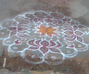 Rangoli: Louts Kolam