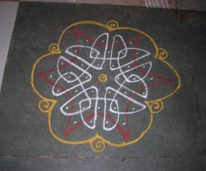 Rangoli: Simple Nelli kolam
