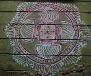 Rangoli: mixed padi kolam