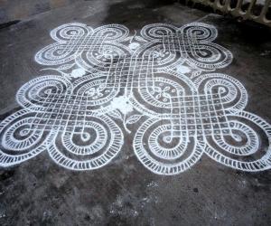 Rangoli: dotted kolam