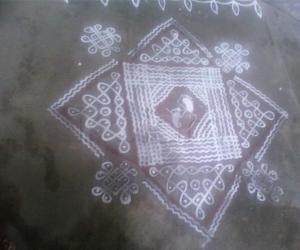 Rangoli: Krishna Jayathi maa kolam