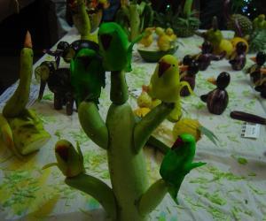 Rangoli: Veggi Parrot