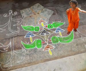 Rangoli: dotted kolam 18
