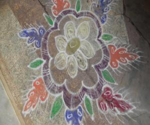 Rangoli: free hand kolam 12