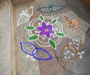 Rangoli: free hand kolam 7