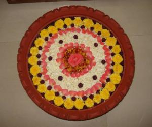 Rangoli: Flowers in Uruli