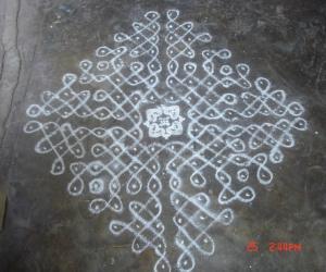 Rangoli: sikku kolam25