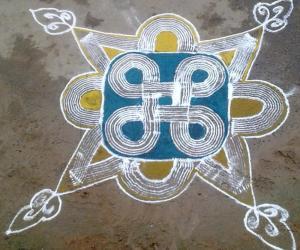 Rangoli: kuzhal kolam 3
