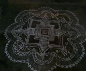 Rangoli: padi kolam3