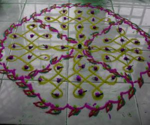Rangoli: tile kolam