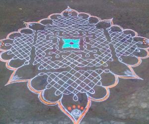 Rangoli: sundari's kolam